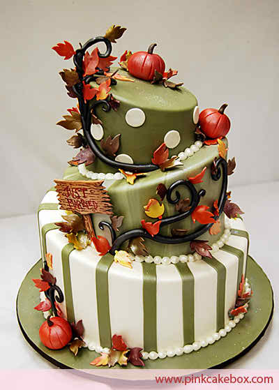 The perfect decorations for your autumn wedding cake