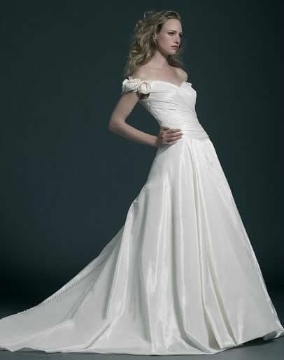 The proper neckline of my wedding dress
