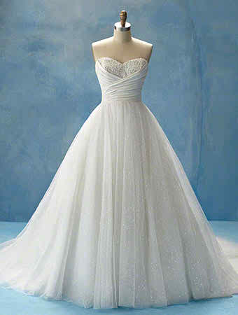 Things you need to buy, to achieve a Cinderella bridal look - Princess wedding dress