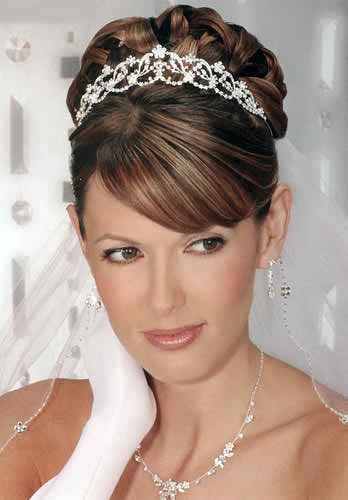 When Should Brides Choose Princess Hairstyles Topweddingsites Com