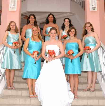Why should I have missmatched bridesmaid dresses at my nuptials