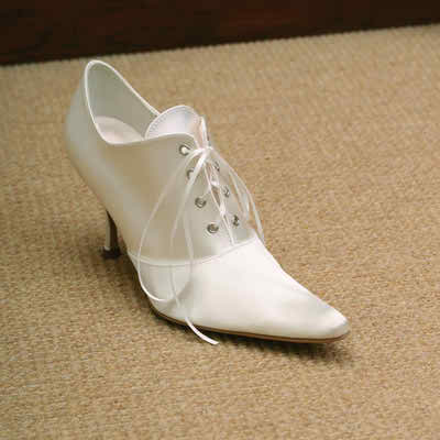 Winter bridal shoes