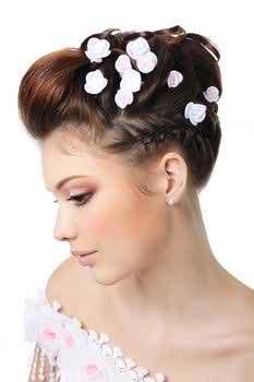 beautiful-hairdos-for-brides