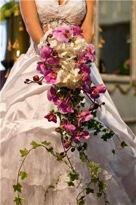 bridal bouquets and wedding flower arrangements tips