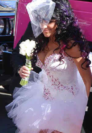 choosing the right wedding dress depending on certain body factors2