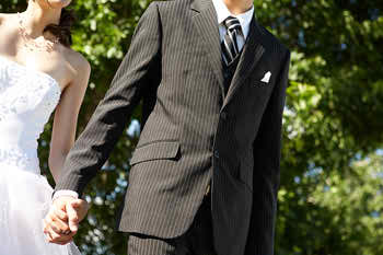 colorful-suits-for-grooms