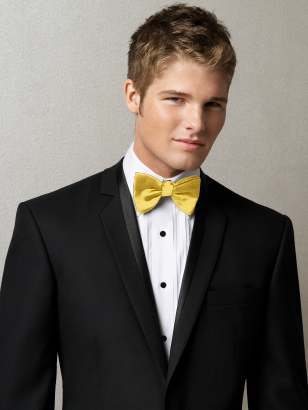 Different wedding accessories for the groom