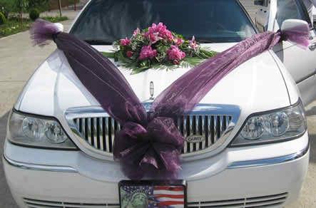 flower arrangements for the bride's car 2 2
