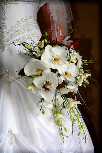 interesting wedding bouquet 2