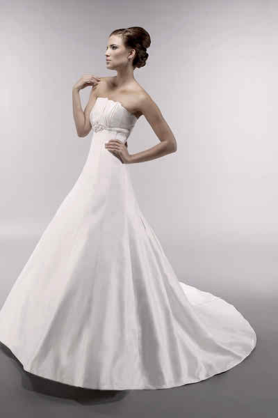 latest details and trends in bridal gowns