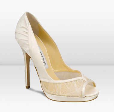 learn how to walk on your bridal shoes