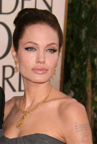 look like Angelina Jolie in your wedding day