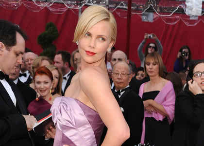 look like Charlize Theron in your wedding day2