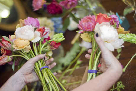 making your own wedding bouquet