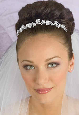 natural-make-up-and-hairdo-for-brides2