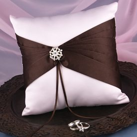 pillows-for-wedding-rings