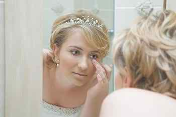 retro-make-up-and-accessories-for-brides3
