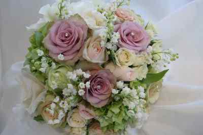 Romantic and vintage bridal bouquets