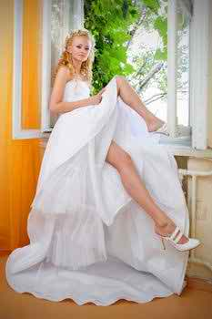 simple-and-sexy-wedding-dresses-3