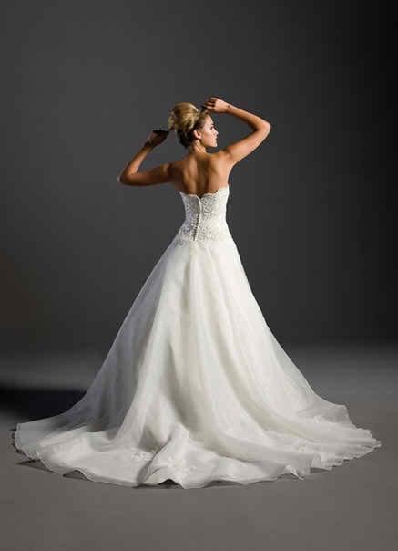 sleeveless wedding dresses 4 4