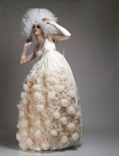 special details on the wedding dress