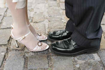 the-bride's-high-heeled-shoes-or-sandals
