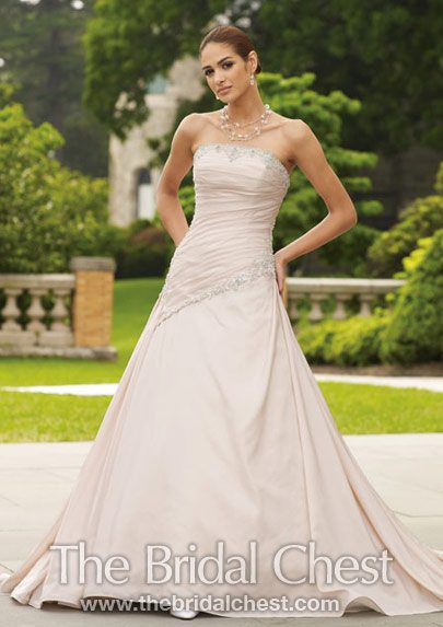 the budget for the bridal gown and wedding accessories