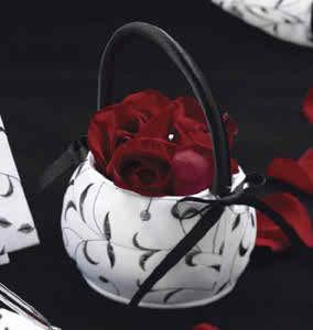 the flower girl's basket3