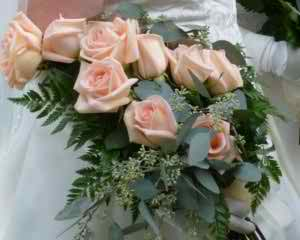 the maid of honor's bouquet 2