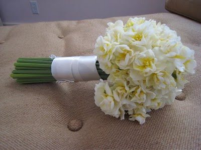 the minimalist wedding bouquet 33