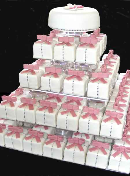 the right model of wedding cake 4 4