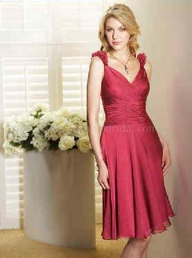 things to know about beach bridesmaid dresses