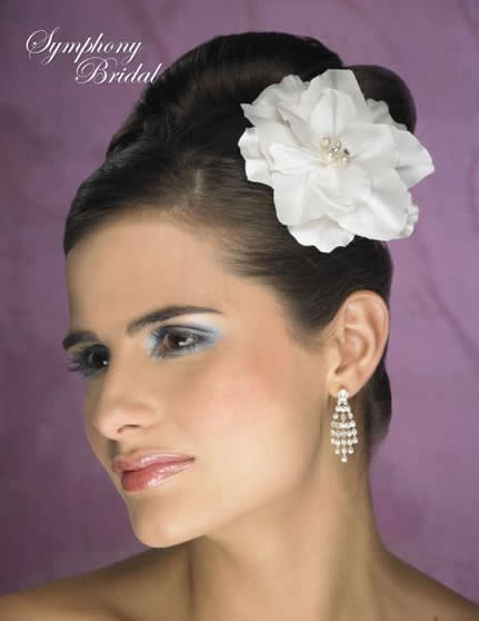 flower detail for a unique bridal hairstyle