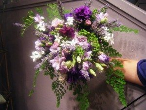 wedding-bouquets-in-lively-colors-22