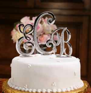 Wedding cake initials
