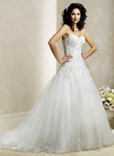 wedding-dresses-in-2010