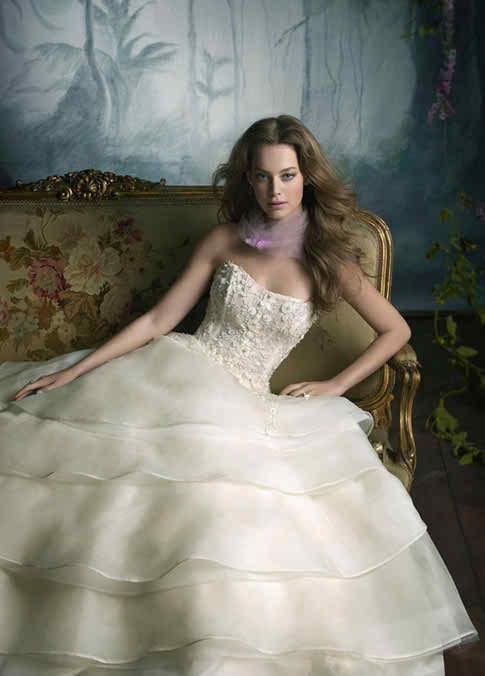 wedding dresses signed Lazaro 3