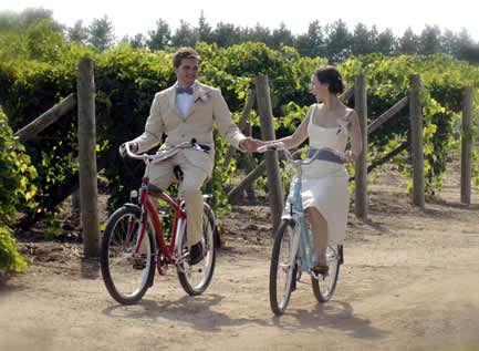 weddings on bicycles