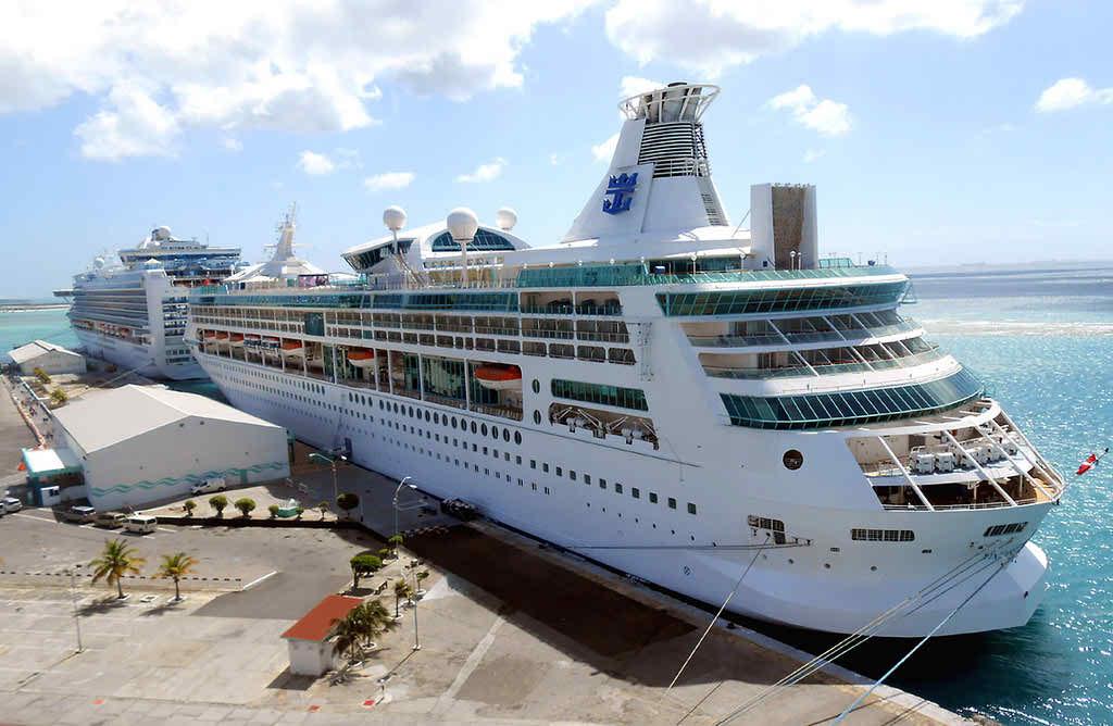 photo credit: Aruba - Vision of the Seas via photopin (license)