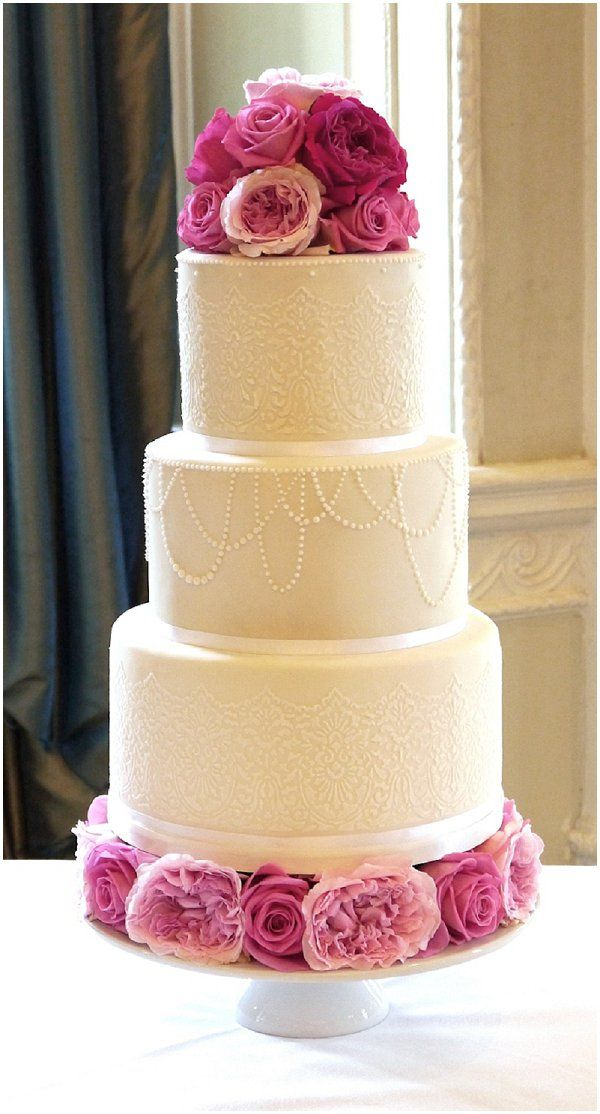 10 Stunning, Delicate Pearl-Accented Wedding Cakes ...