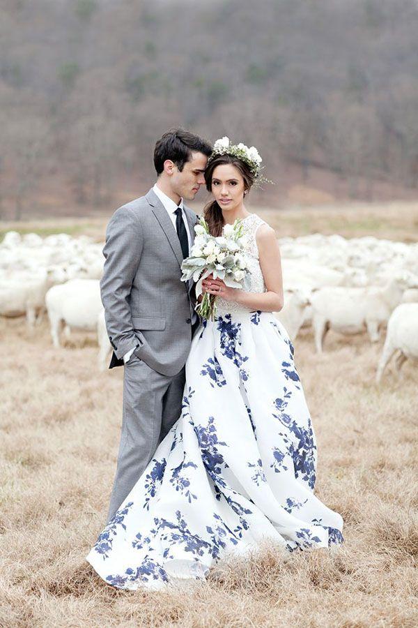 Royal Blue and White Wedding Inspiration | | TopWeddingSites.com