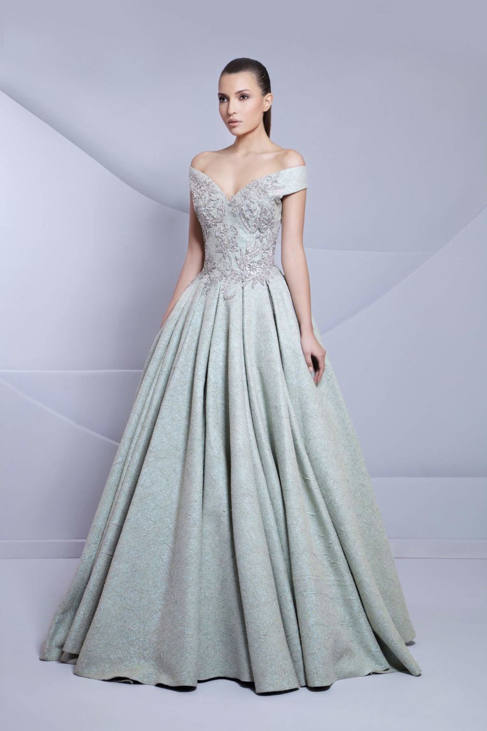 10 Couture Tarek Sinno Gowns You\'ll Dream of Wearing - BridalPulse