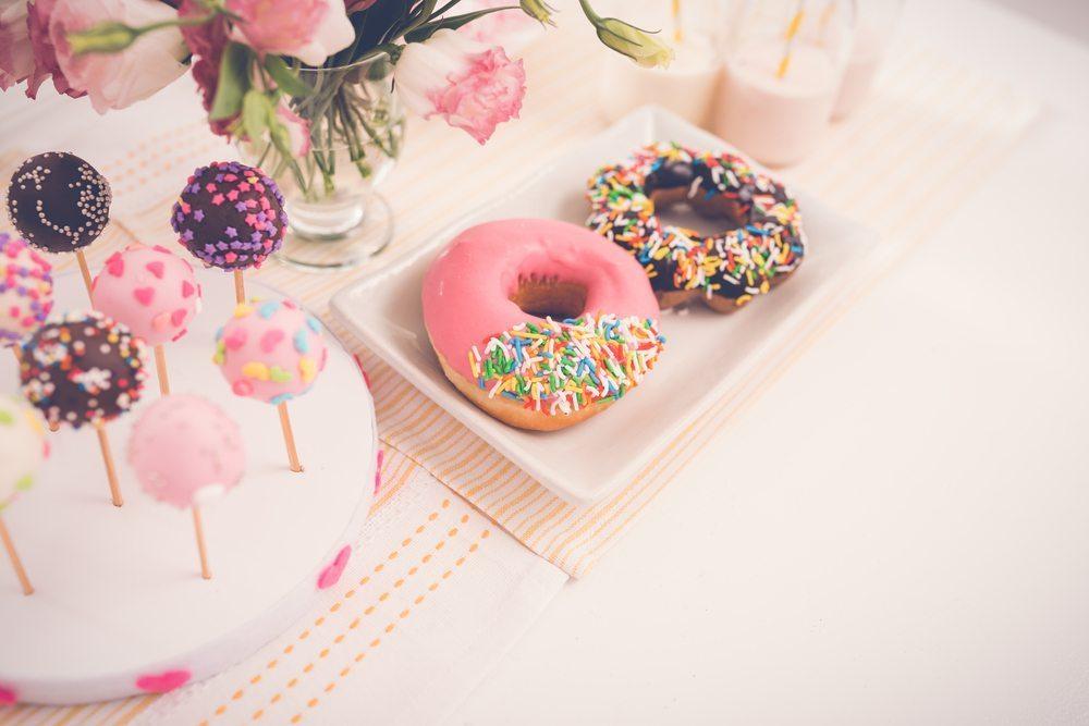 topweddingquestionscom-doughnuts-57502964e45e1