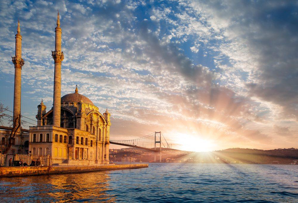 topweddingsitescom-ortakoy_mosque_and_bosphorus_bridge_istanbul_turkey-575025092dc9b