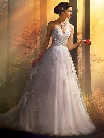 Heres A More Subtle Romantic Gown That Was Drawn From The Thought Of Snow White And We Love Its Whimsy