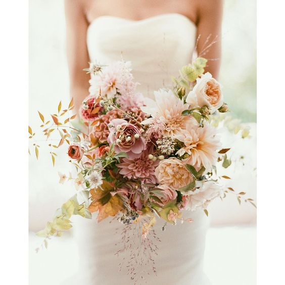 September Weddings: September Wedding Flowers & Bridal Bouquet Inspiration