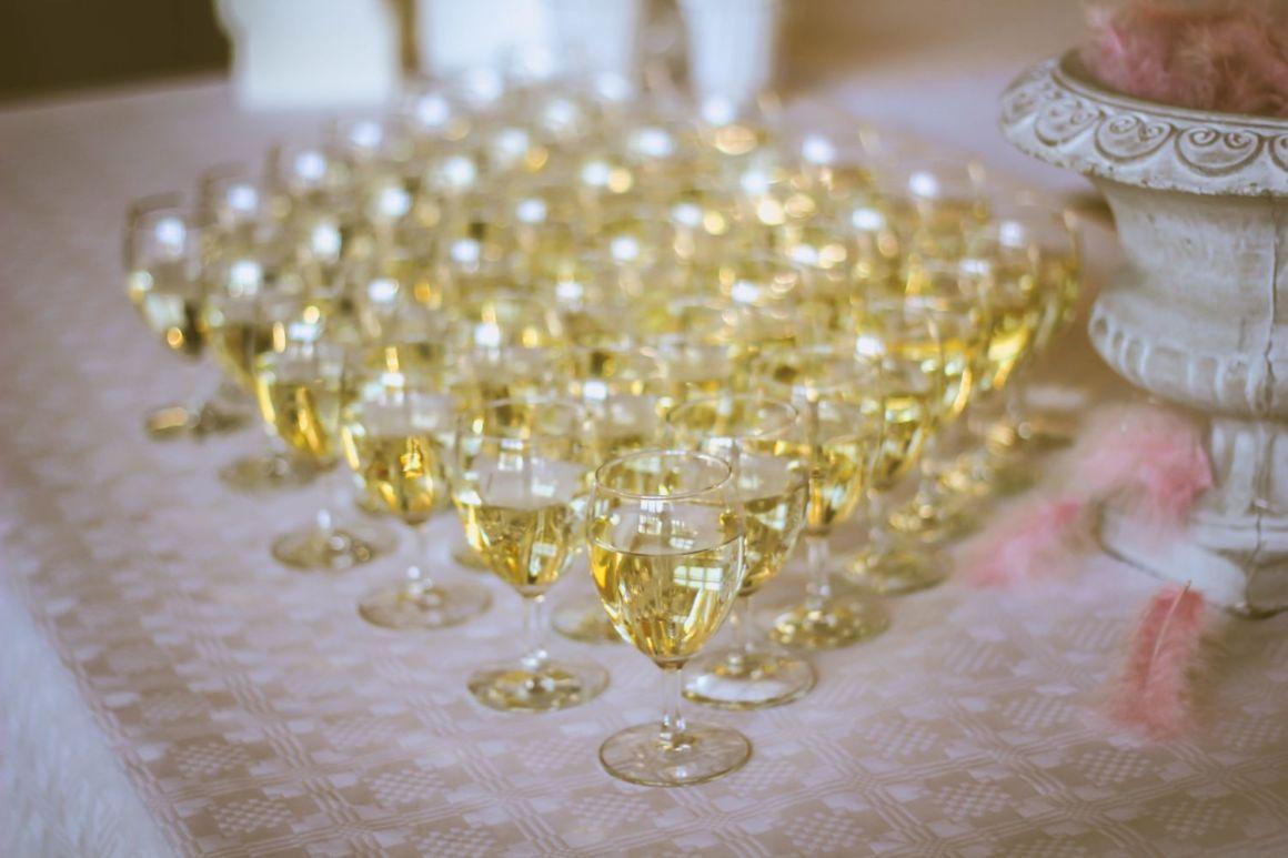 Wedding Reception 101 Estimating Drink Cost Per Person