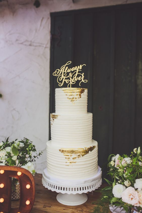 10 Gold Leaf Wedding Cakes To Snag Inspiration From Wedding Cakes