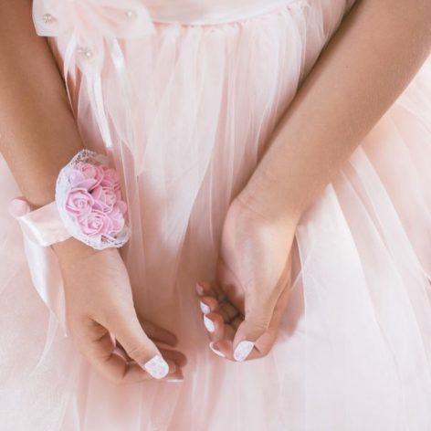 Mistakes to avoid when buying bridesmaids dresses.