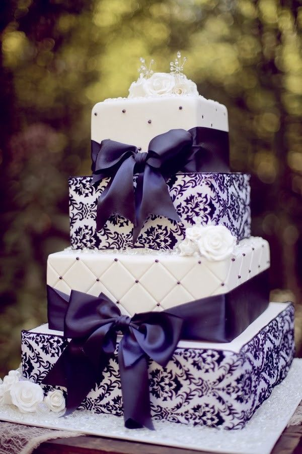 Fit for a Queen: The Purple Theme | | TopWeddingSites.com